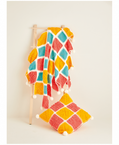 Sirdar 10120 Crochet Blanket and Cushion in Hayfield Bonus DK Colour Pack