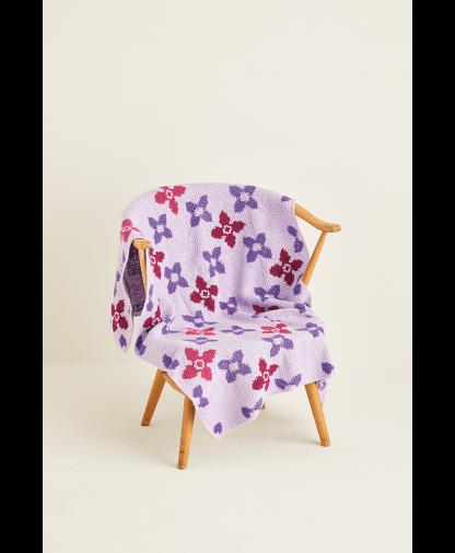 Sirdar 10121 Crochet Blanket in Hayfield Bonus DK Colour Pack